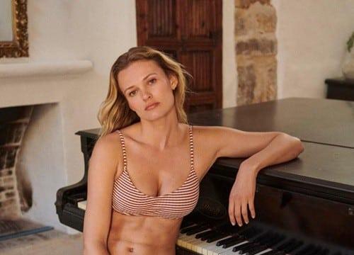 Siêu mẫu Edita Vilkeviciute khoe dáng với áo tắm - Người đẹp