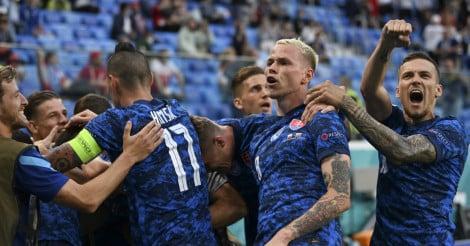 Soi kèo thẻ phạt Slovakia vs Tây Ban Nha, 23h00 ngày 23/6