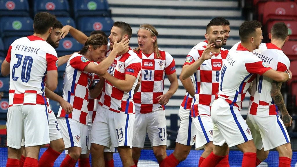 1624846380 591 Soi keo phat goc Croatia vs Tay Ban Nha 23h00